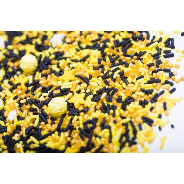 Посыпки изготавливаются из сахара с применением пищевых красителей, не содержат ГМО, консервантов, отдушек. Посыпка Exclusive mix приобрести в Санкт-Петербурге и Ленинградской области можно в интернет-магазине FOR CHEF STORE.